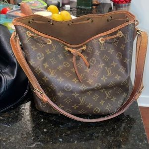 Authentic Louis Vuitton Noe Mm